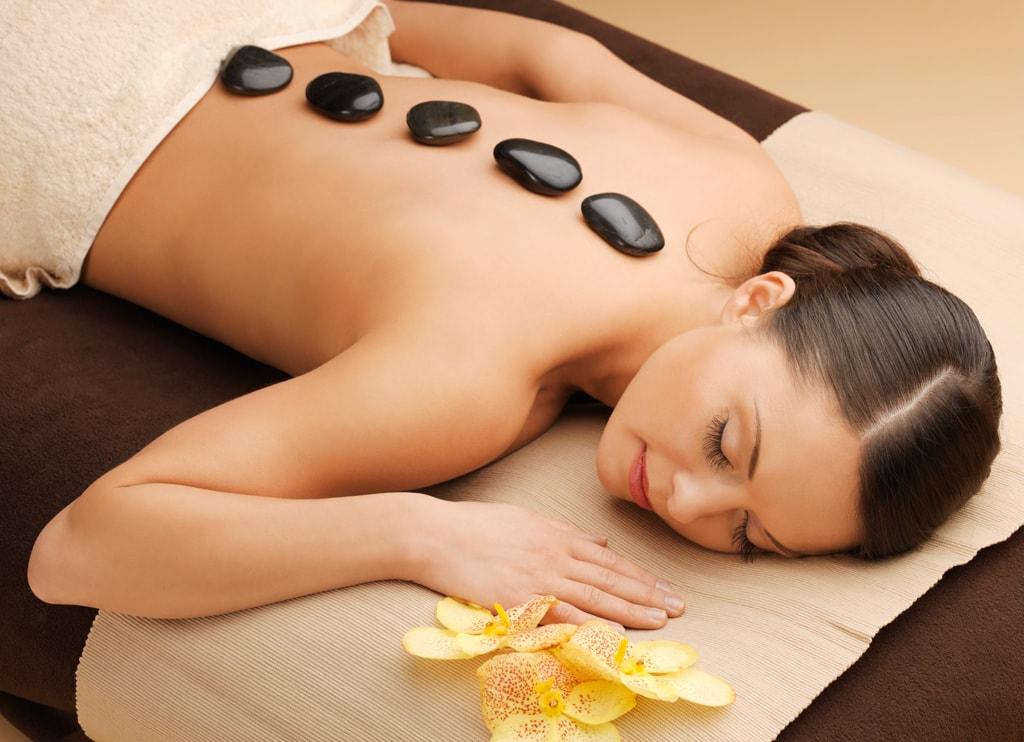 Стоунтерапия - массаж камнями