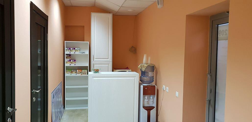 Интерьер кабинета Массаж в Ярославле. Просторный и уютный рецепшен
